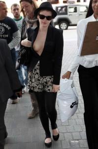 Emma Watson nackt oder oben ohne