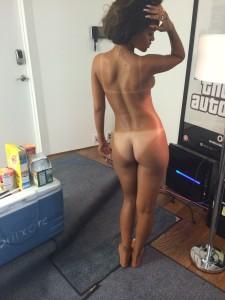 rihanna nackt von hinten