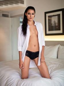 Rebecca Mir oben ohne und nackt